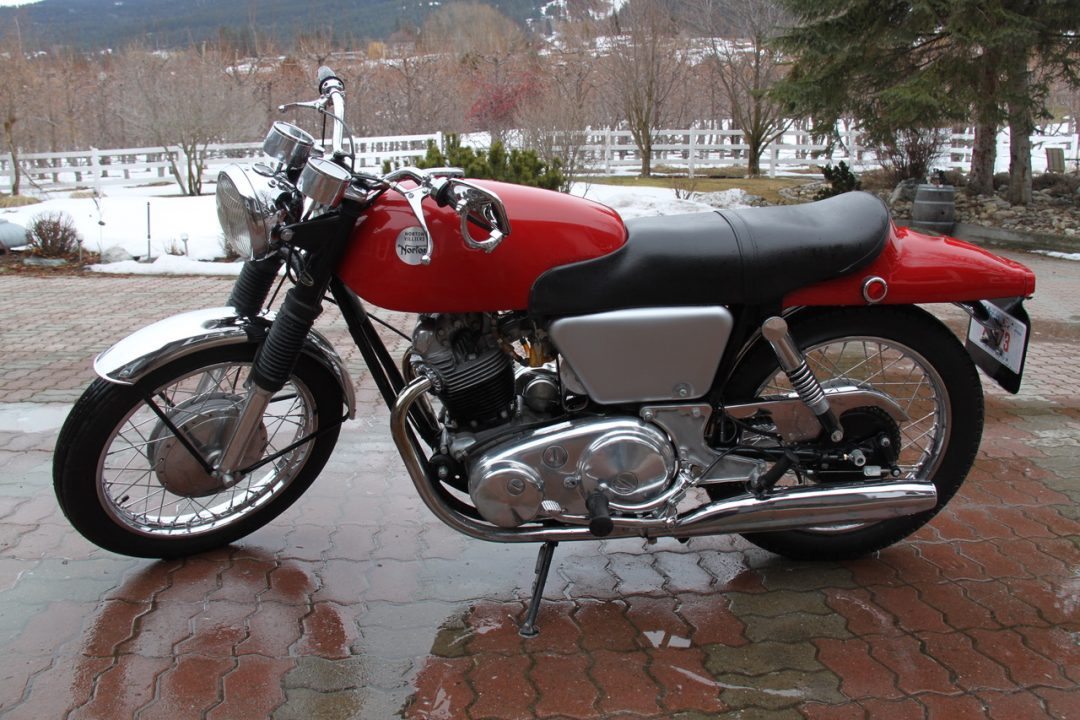 1968 Norton Commando Fastback   $15,000cad