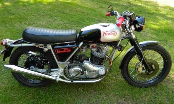 1973  NORTON COMMANDO CAFE 850CC   $11,500CAD