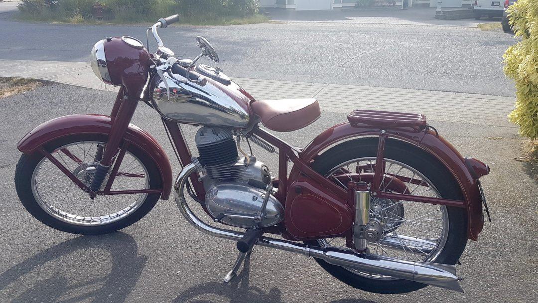 1953 Jawa Perak 250cc      $9,000 cad