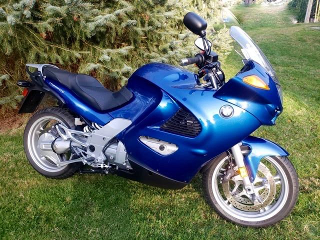 2001 BMW K1200RS               $7500cad